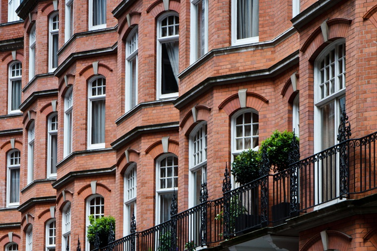 How Much Do Leaseholders Charge For Buying Property